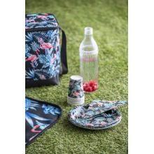 #interiør #sommer #2020 #inspirasjon #trend #flaske #kopp #piknik #flamingo #piknikkurv #kremmerhuset | Kremmerhuset Picnic Blanket, Outdoor Blanket, Picnic Quilt