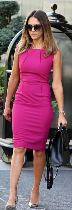 Who made  Jessica Alba's black sunglasses and pink pleated dress that she wore in New York