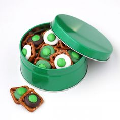 St. Patty's Day pretzel treats