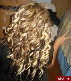i wish my hair was like this. love the color to