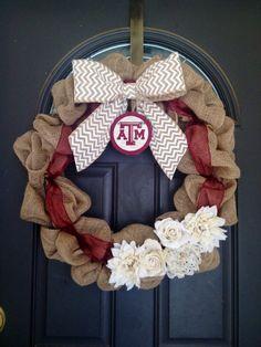 Aggies get creative w/ their burlap wreaths!