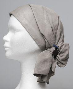 Scarflett®, un foulard comme un cocon pour couvrir l'alopécie Fashion, Scarf Head, Woman, Moda, Fashion Styles, Fashion Illustrations, Fashion Models