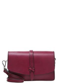 a2d98f256f674 Accessoires Clarks RIGO HOPE - Sac bandoulière - red rouge: 56,00 € chez