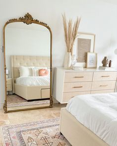 Neutral Bedroom Decor, Room Ideas Bedroom, Neutral Bedrooms, Parisian Bedroom Decor, Vintage Inspired Bedroom, Neutral Bedding, Boho Bedding, Trendy Bedroom, Guest Bedrooms
