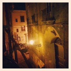 Tra i vicoli della vecchia Taranto