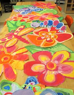 Collaborative grade painting--so colorful and fun! Group Art Projects, Spring Art Projects, Collaborative Art Projects, School Art Projects, Buskers Festival, 2nd Grade Art, Ecole Art, Art Lessons Elementary, Art Lesson Plans