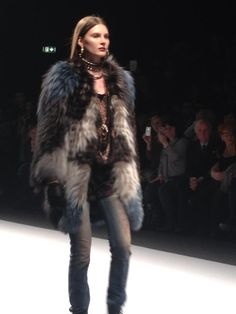 Gala fur fashion show, milan
