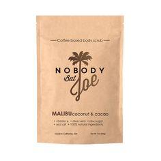 Les scrubs de la marque californienneNobody But Joesont à base de grains de café, pour un rituel beauté vraiment bénéfique pour votre corps. Non seulement vous vous faites plaisir avec un produit qui sent délicieusement bon, mais en plus, vous activez votre circulation sanguine et vous utilisez un produit au pouvoir régénérant.