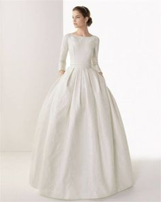Caceres by Rosa Clara 2014 Stunning long sleeved wedding dress. Just a beautiful ball gown. Rosa Clara Wedding Dresses, Modest Wedding Gowns, Bridal Gowns, Gown Wedding, Lace Wedding, Peacock Wedding, Wedding Rustic, Elegant Wedding, Wedding Cake