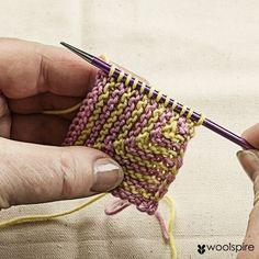 Hvordan strikke Domino Squares - av Woolspire Norway - Lilly is Love Knitting For Beginners, Easy Knitting, Knitting Stitches, Knitting Tutorials, Crochet Books, Knit Crochet, Chrochet, Mitered Square, Knit Basket