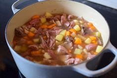 Cheeseburger Chowder, Chili, Nom Nom, Food And Drink, Dinner, Eat, Casseroles, Soups, Cooking