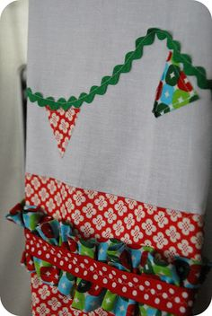 Simple Sewing Project -- Tiny Bunting Dishtowels!!