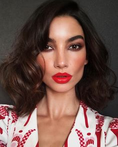 Emily Ratajkowski's Makeup Artist Serves Up 5 Party Looks That Will Make Jaws Drop