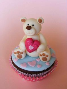 Love you beary much cupcakes Cupcakes Fondant, Bear Cupcakes, Love Cupcakes, Fondant Toppers, Yummy Cupcakes, Love Cake, Cupcake Cookies, Cupcake Toppers, Valentine Day Cupcakes
