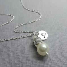 CUSTOM COLOR Custom Initial Swarovski Pearl Bridesmaid Necklace, Bridesmaid Gift, Bridesmaid Jewelry, Ivory Pearl Necklace, Flower Girl Gift