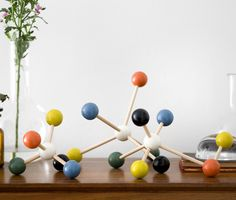 Create your own molecular design with Molecule Building Set #midcentury