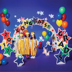 Color Craze Stars Complete Prop Set - Set the stage for a great graduation. This vibrantly colored theme includes everything you need to set the perfect scene for graduation. Graduation Poems, Graduation Crafts, Pre K Graduation, Kindergarten Graduation, School Decorations, Graduation Images, Crafts For Kids, Stage Props, Noel