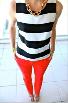 Amazing casual stripe outfits ideas for women (12) - Fashionetter