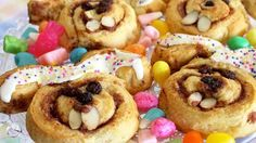 Ready in just 45 minutes, Pillsbury Grands! Cinnamon Rolls are transformed into sweet and delectable bunnies courtesy of raisins, sprinkles and almonds.