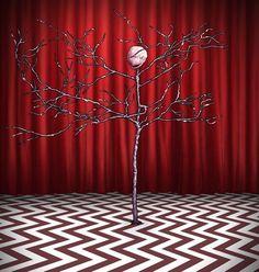 "Paul Hanley — Twin Peaks portrait The Arm ""I am the arm…. Twin Peaks Theme, Twin Peaks 2017, David Lynch Twin Peaks, Between Two Worlds, Cool Tats, Illusion Art, Harry Potter Art, Tarot Decks, The Magicians"