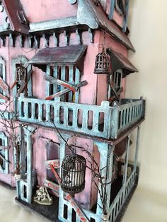 I love this house.... haunted house on the outside..... Marina's Art Dolls: The haunted lake house