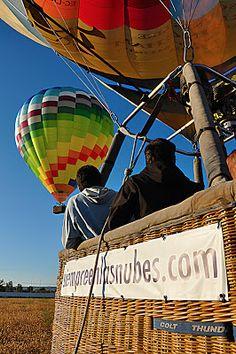 ¿Por qué las barquillas de los globos aerostáticos se siguen fabricando de mimbre? http://www.facebook.com/siempreenlasnubes.volarenglobo  Más información en http://www.siempreenlasnubes.com