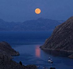 Simi island under the moon, Greece Harbor Town, Athens Greece, Travel Goals, Greek Islands, Dream Vacations, Sailing, Beautiful Places, Wonderful Places, Beautiful Pictures