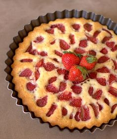 Recipe Strawberry Cake- i dont see why you couldnt use a bundt pan. raspberries, blueberries, peach...yum