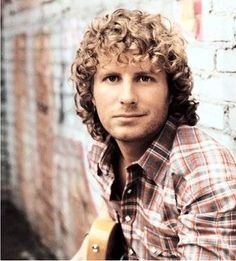 Dierks Bentley: (born November is an American country music artist who has been signed to Capitol Records Nashville since Country Musicians, Country Music Artists, Country Music Stars, Country Singers, Dierks Bentley, Old Music, Music Tv, This Is Your Life, Band Of Brothers