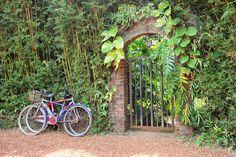 Sri Lanka. Brief Garden. Entrance