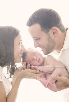 We certainly have had a busy few weeks at the studio, but thankfully these babies have been soooo good to me lately! Baby B and his family had a dream session last week. Mom and dad were so happy and in love with their little boy, they were up to do anything. Easy going parents = easy going