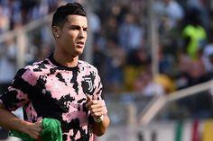 Cristiano Ronaldo Juventus, Juventus Fc, Cr7 Junior, Football Match, Messi, Manchester, Men Casual, Mens Tops, Minecraft