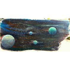 Bu koskoca evrende tabi ki tek değiliz , diye düşündüm dün gece ... Ve deniz kıyısında bulduğum koca bir tahta parçasını boyadim ....