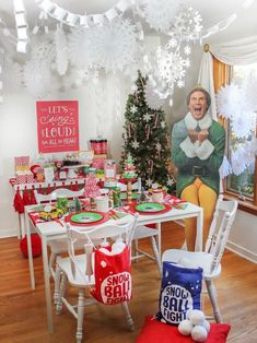 Elf Movie Night Christmas Party - Just Add Confetti Christmas Movie Night, Christmas Birthday Party, Christmas Party Themes, Office Christmas, Christmas In July, Christmas Holidays, Christmas Party Activities, Merry Christmas, Advent Activities