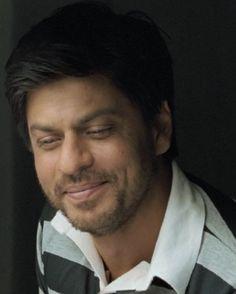 """[HQ Caps] Shah Rukh Khan [ @Omg SRK ] in film """"ChakDe! India"""" (2007) #SRK #KingKhan pic.twitter.com/BxxBOhaaX4"""