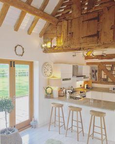 "194 Likes, 12 Comments - The Happy Heart Company (@thehappyheartcompany) on Instagram: ""Night night lovelies!💕💕💕 #kitchen #kitchenlove #kitcheninspo #kitchendesign #beams #barn…"""