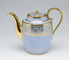Teapot with Cover Théière Pestum Made by the Sèvres porcelain factory 1832