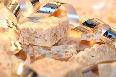 21st recept – JULGODIS-SPECIAL!! | Kryddburken Christmas Candy, Christmas Cookies, Christmas Stuff, Rice Crisps, Recipe Link, Fika, Sweet Life, Marshmallow, Cake Recipes