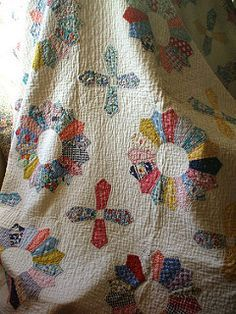 Dresden plate quilt   by the vintage cottage