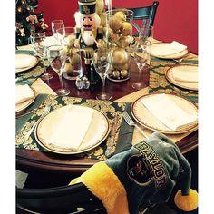 A beautiful -- and #BaylorProud! -- Christmas dinner setting!