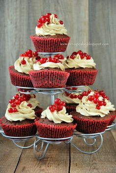 Coffee Cupcakes with Redcurrants