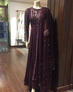 Buy Green Color Long Dress With Dupatta online, Latest Green Color Long Dress With Dupatta by Fashion Online Salwar Designs, Kurti Designs Party Wear, Indian Wedding Wear, Indian Party Wear, Dress Indian Style, Indian Dresses, Pakistani Outfits, Indian Outfits, Pakistani Long Dresses