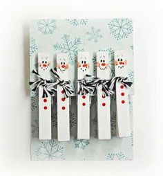 Clothes Pin is something that every family has. It is necessary to air clothes and socks. You need to know that there are many interesting crafts that can be made with clothes Pins. These clothes Pin crafts are both creative and practical. Snowman Crafts, Christmas Projects, Holiday Crafts, Holiday Fun, Winter Christmas, Christmas Holidays, Christmas Decorations, Christmas Ornaments, Christmas Clothespin Crafts