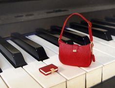 Dollhouse Miniatures (R01) Artisan handmade designer purse handbag 1/12