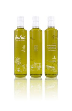 La-diá Extra Virgin Olive Oil on Packaging of the World - Creative Package Design Gallery Food Packaging Design, Beverage Packaging, Packaging Design Inspiration, Olive Oil Brands, Olive Oils, Olive Oil Packaging, Greek Olives, Olive Oil Bottles, Bottles And Jars