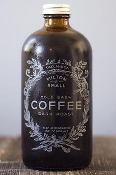 Una botella más de café frío.
