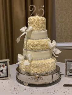 Wedding cake Wedding Cakes, Desserts, Food, Kitchens, Wedding Gown Cakes, Tailgate Desserts, Deserts, Essen, Cake Wedding