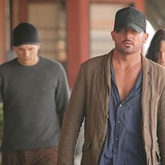 Waiting for prison break with the most beautiful and talented @dominicpurcell Linc Burrows!!!!