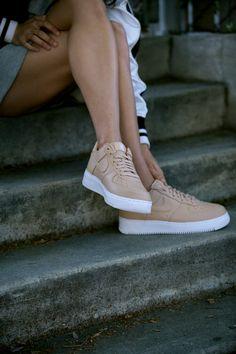 Nice Legs in #af1 #sneakers #streetstyle