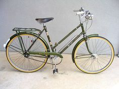 Vintage Raleigh Superbe bicycle